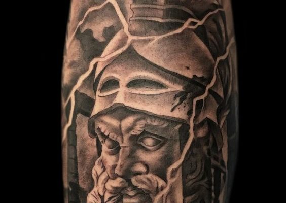 Tattoo casco espartano